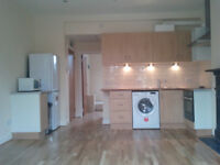ONE BEDROOM FLAT N12 MOST BILL INCLUDED, £300 P/W, SORRY NOT AGENT or DSS, minimum 6 months.