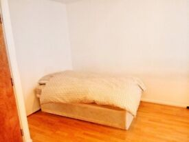 SPACIOUS DOUBLE ROOM TO RENT IN SOUTHWARK - ZONE 2 - COUPLES WELCOME AS WELL - CALL ME