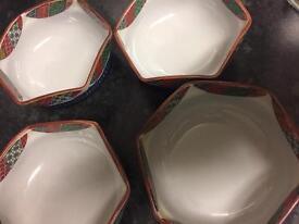 Eight desert bowls £8