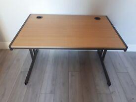 Large desk 120 x 80 x 72cm
