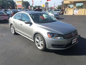 2012 VOLKSWAGEN PASSAT 2.5L Comfortline- SUNROOF, HEATED LEATHER