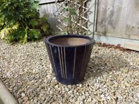 Blue striped plant pot (32cm diametre / 29cm high)