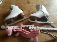 Jackson size 4 girl's ice skates size 4 great condition