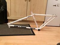 "On One Inbred bike frame 16"", geared, pearl white, xtr m980 bottom bracket"