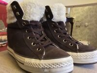 Womens/girls brown CONVERSE high-tops size 7