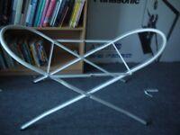 White Metal Moses basket frame