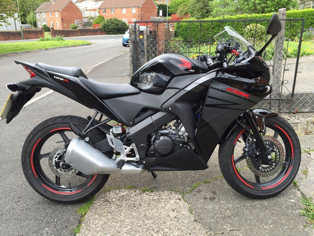 2015 honda cbr 125r asteroid black metallic in pontllanfraith caerphilly gumtree. Black Bedroom Furniture Sets. Home Design Ideas