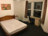 Large Room for rent in Exeter City Centre, Just by St Davids train station. All bills £115 p/w wifi
