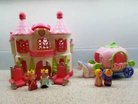 Happyland Pink Castle and Carriage