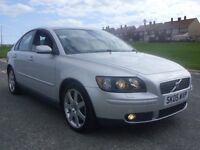 VOLVO S40 SE SALOON,05 PLATE,86K WITH FDSH,MARCH MOT,RUNS AND DRIVES PERFECT,VERY CLEAN RELIABLE CAR