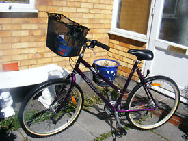 """GIANT LADIES 26"""" WHEEL BIKE 20"""" FRAME WITH NEW BASKET IN GREAT WORKING ORDER"""