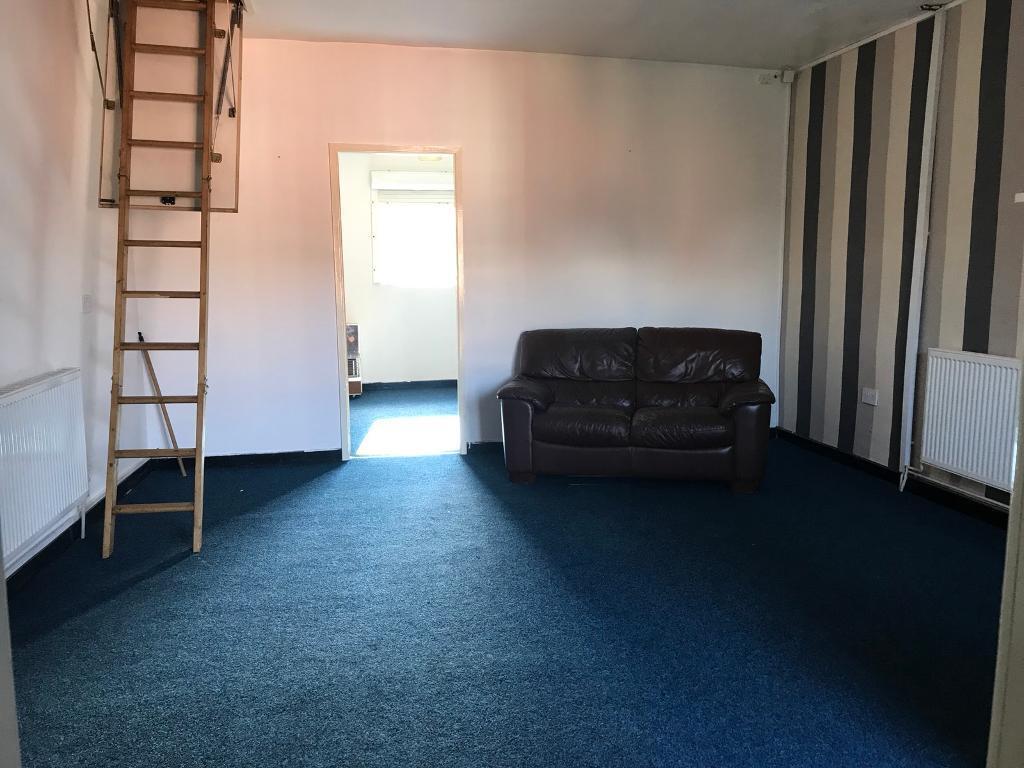 2 bedroom flat for rent On Tonge moor - Excellent condition