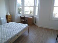 House 4 Bed Kitchen BathShowerSeparateWC Sitting Room Doors To Garden Very Near BR Bus