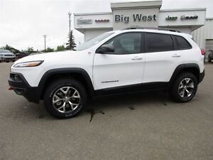 2016 Jeep Cherokee Trailhawk 4X4 leather /sun roof / nav / alpin