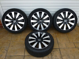 Four genuine Honda Civic Sport alloy wheels fitted with 17 - 225 45 Michelin Primacy HP tyres
