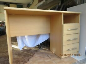 Dressing Table with 3 drawers on the right
