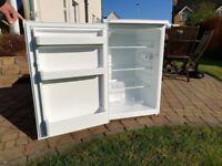 'As new' - Beko LX5053W - under the counter fridge