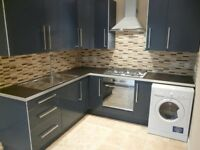 Beautiful Modern 5 Bedroom Flat & 2 Baths / Mile End, Walk to QMU / Available NOW !!!