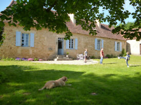 Beautiful Dordogne Farmhouse: 2 stables, 10 acres + outbuildings. 15mns from Bergerac Airport