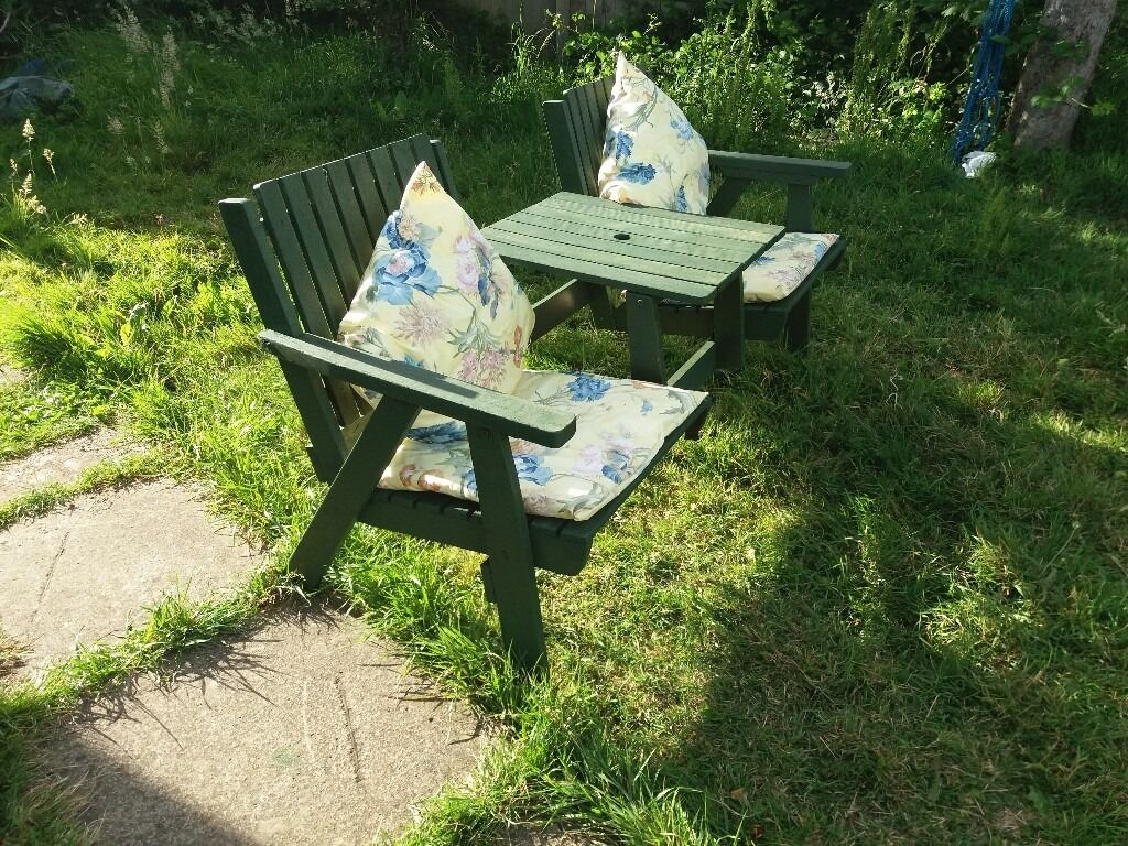 Jack and jill wooden garden seating redhill