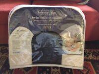 Twin breastfeeding pillow. Harmony Duo.