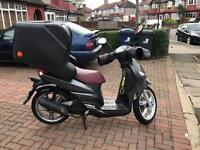 Peugeot tweet 125 cc Uber / Deliveroo ready for delivery MASIVE TOP BOX
