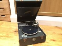 RETRO AUDIO BARGAIN: 78 rpm portable player & 17 discs - eccentric Christmas Gift for just £75