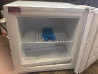 Russell Hobs Mini Table Top freezer