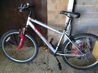"""Mens mountain bike with 26"""" alloy wheels good tyres 18 gears and front suspension gwo can deliver lo"""