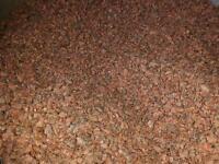 900 Kg Harling chips, pink / red granite