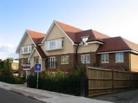 Large 2bed/2bath in Hendon * Unfurnished * Parking * Great Size *