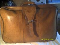 A VERY TOUGH BEIGE CASE ,EXCELLENT HANDLES & STRAPS , IN V.G.C. ++++++++