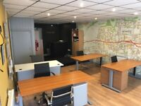Modern 900sqft Office space/ Retail shop to LET. Town center location- OL10