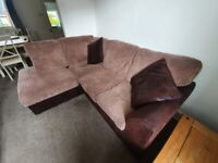 Brown corner sofa (2.1m x 1.7m) with coushions