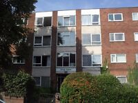 Modern 2 Bedroom Flat - Privately Managed - Oxton