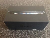 Box for iPhone 5 16GB Black and Slate with Documents and Sim Pin (no accessories)