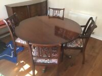 Extendable Mahogany Dining Table with 6 chairs