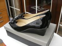 Van Dal Pasadena ladies black patent leather shoes