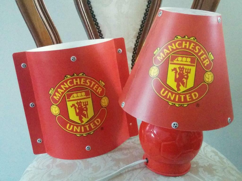 Man Utd Lamp Amp Matching Ceiling Lampshade In Swansea