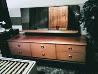 Retro dressing table with large mirror