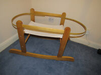 moses basket + 2 stands