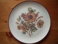 Vintage (1970s?) Maplex,Toronto,Canada melamine burnt orange & green flower/leaf design dinner plate