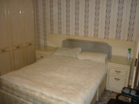 LARGE DOUBLE ROOM FURNISHED ALL BILLS INC WI-FI