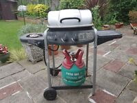 Gas BBQ - good condition (including full gas cylinder)
