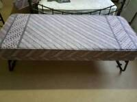 Guest trundle bed