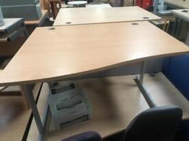 1200mm Waved Desk