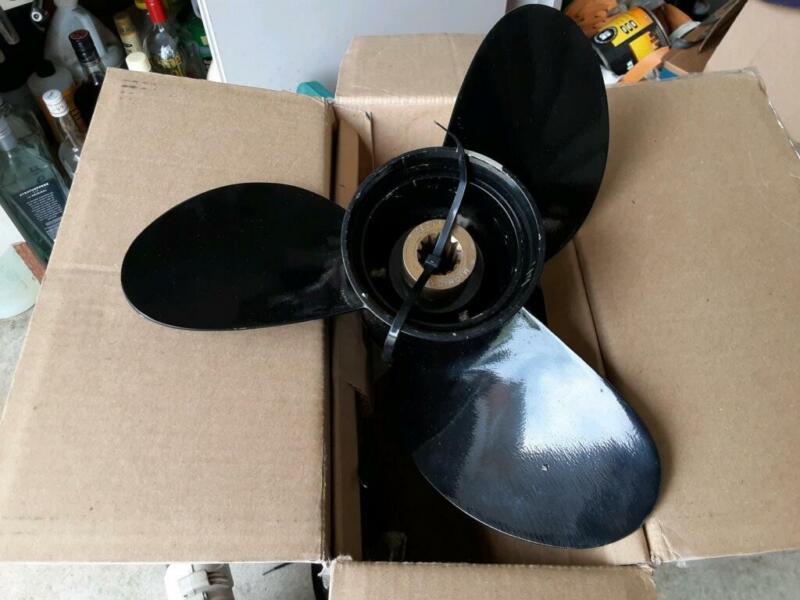 Propeller Michigan Wheel NIB #99231 12.5 x 13 RH Aluminum 3 Blade with Hub Kit