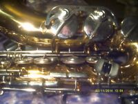 GERMAN ALTO SAXOPHONE In EXCELLENT CONDITION & PLAYING ORDER . CASE & M/ PIECE .+++++