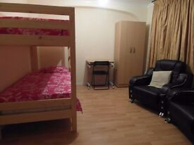 NEED TO MOVE NOW???!!!TRIPLE ROOM AVAILABLE! ALL BILLS INCLUDED