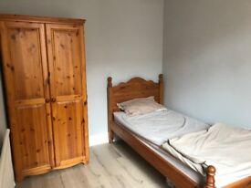 1 single room - £70 pw